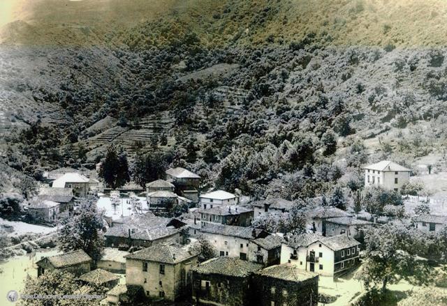 Vista de la calle Eskauritza y plaza de Anbia